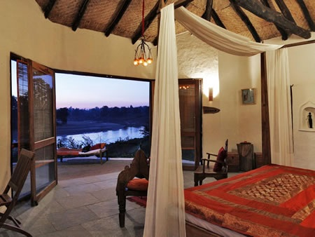 Flame-of-the-Forest-Safari-Lodge-Kanha-National-Park-North-India-1-