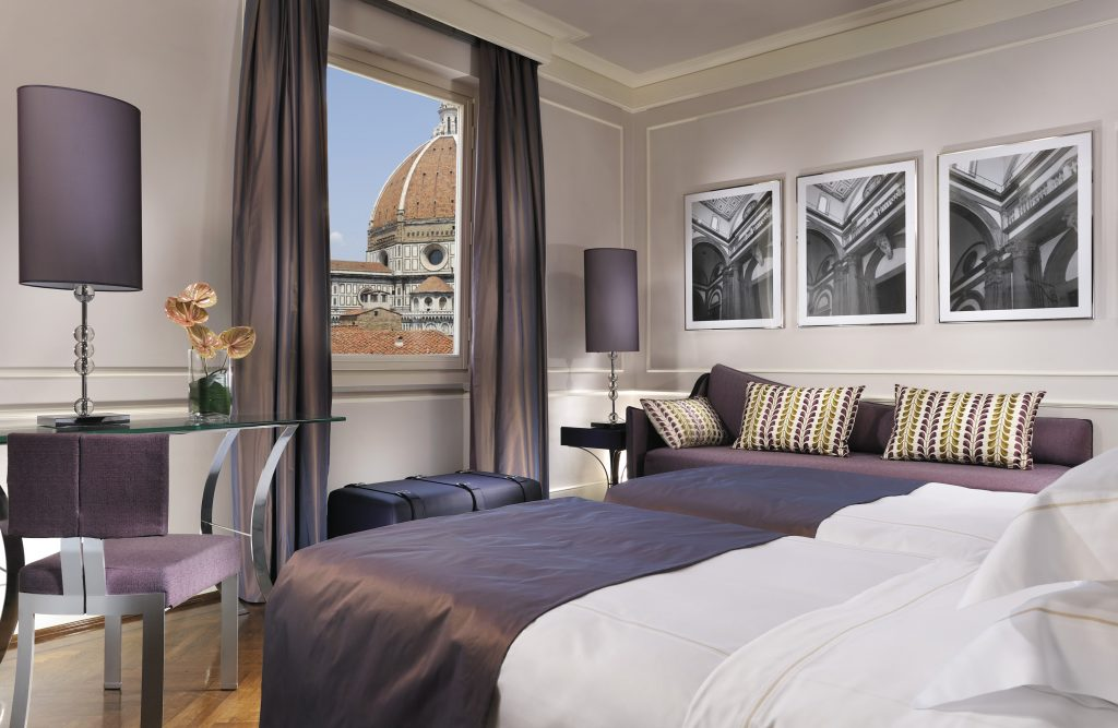 3_Deluxe-Room-Direct-View-of-Duomo-and-Campanile_26-sqm-1024x667